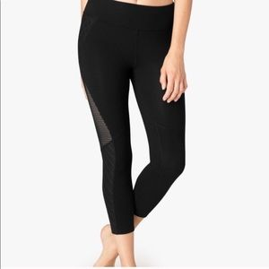 Beyond Yoga black cropped leggings
